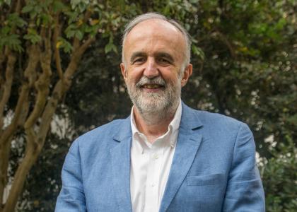 U. Finis Terrae postula a Marco Antonio de la Parra al Premio Nacional de Artes de la Representación y Audiovisuales