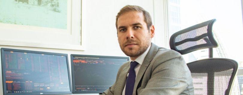 Radio Bío Bío | Académico de Ingeniería Comercial explicó algunos de los efectos que puede causar la caída del precio del petróleo