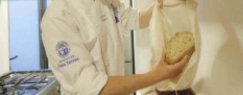 Las Últimas Noticias |  El error de guardar el pan en una bolsa de plástico