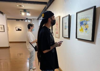 Universidad Finis Terrae expone parte de su patrimonio artístico en Viña del Mar
