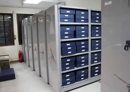 Archivo del Centro de Investigación y Documentación de la U. Finis Terrae reabre sus puertas