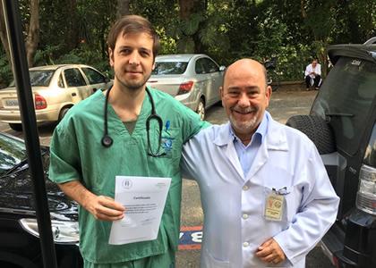 Docente de Medicina realizó perfeccionamiento en Universidad brasileña