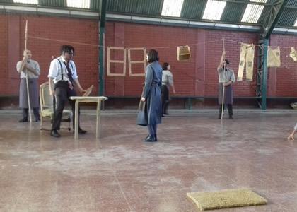 Egreso 2016 de la Escuela de Teatro Universidad Finis Terrae presentó obra en colegios de Maipú