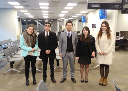 Estudiantes de la Facultad realizan visita guiada a los nuevos tribunales de Familia de Santiago