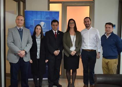 Vicepresidenta de Personal Health para Latinoamérica de Philips visita la Universidad Finis Terrae