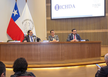 Profesor Enrique Navarro Beltrán expone en seminario sobre desafíos del derecho administrativo