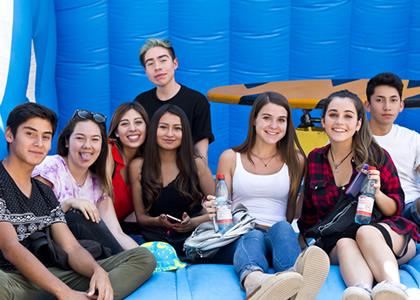 U. Finis Terrae da la bienvenida a sus nuevos alumnos