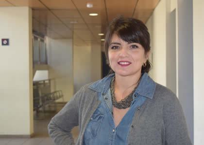 Profesora Sara Moreno dicta Coloquio a los alumnos de la Clínica PYME