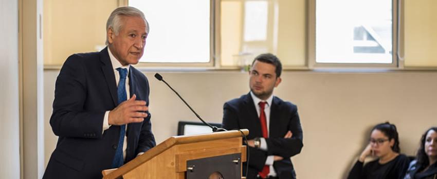 Heraldo Muñoz, ex ministro de Relaciones Exteriores de Chile, realiza clase magistral