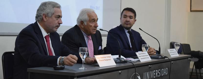 Fiscal Regional realiza charla en la U. Finis Terrae