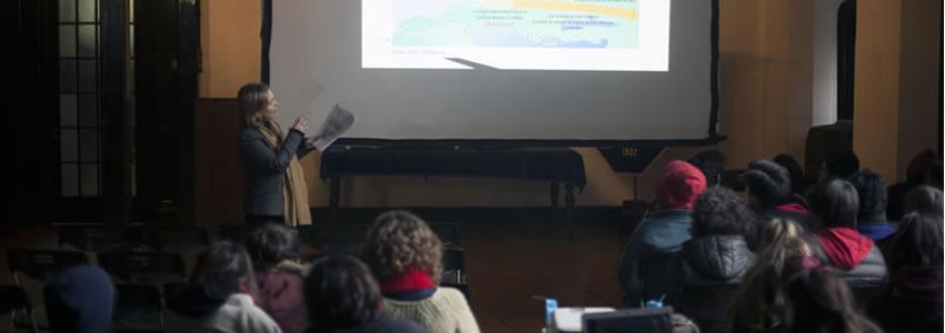 Profesoras de Derecho Ambiental difunden proyectos Fondecyt entre escolares del Liceo Manuel de Salas