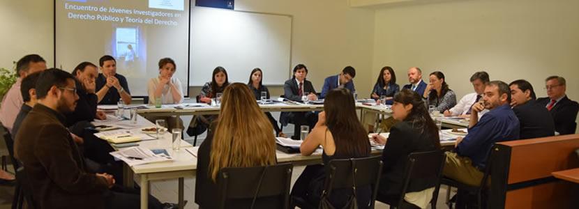 Jóvenes académicos presentaron sus temas de investigación en taller de discusión organizado por la Facultad de Derecho