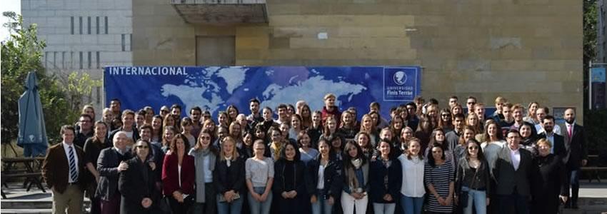 Universidad Finis Terrae realiza ceremonia de bienvenida a alumnos de intercambio