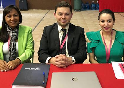 Director de Investigación y Postgrados de la Facultad de Derecho participó en Congreso de Educación Jurídica en México