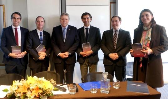 Lanzan libro escrito por Cristóbal Aguilera y Pablo Urquizar