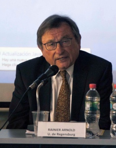 Académico alemán y profesores chilenos debaten sobre proporcionalidad en el derecho de propiedad
