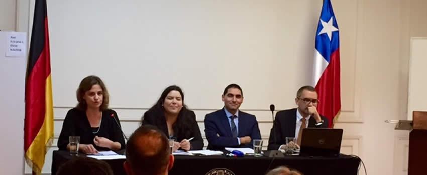 Profesoras de la Facultad en Seminario de la Sociedad Chilena de Derecho Internacional