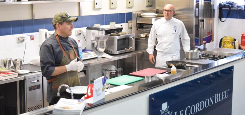 Reconocido Chef Internacional visita la Universidad Finis Terrae