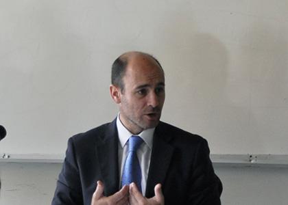 """Facultad de Derecho realiza encuentro reflexivo sobre crisis social """"¿Es justo el sistema financiero?"""""""