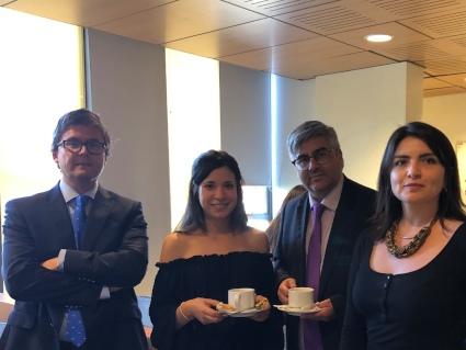 Decano de la Facultad de Derecho comparte con alumnos de la Clínica Civil-Familia