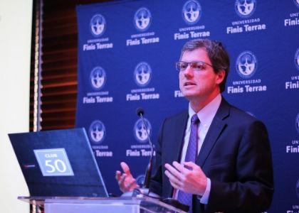 Economista Sebastián Claro asumió como presidente del Club Monetario