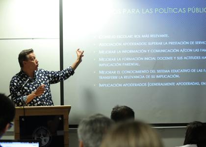 La relación entre las familias y las escuelas sería clave para enfrentar algunos de los desafíos que presenta el escenario actual chileno