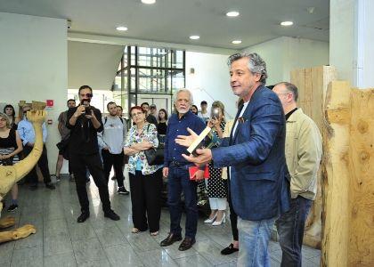 Con obras de egresados, Artes Visuales U. Finis Terrae inauguró el II Simposio de Esculturas