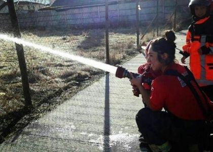 """Camila  Bravo, voluntaria de Bomberos: """"Siempre debemos estar disponibles para acudir cuando las personas nos necesiten"""""""