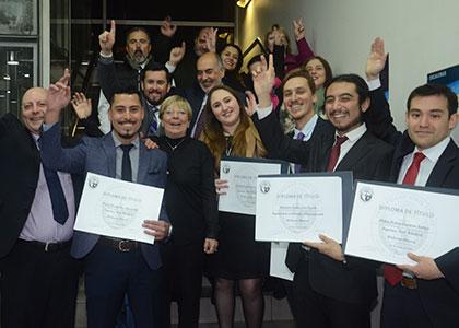 ¡Felicitamos a la primera generación de ingenieros civiles de la Finis!