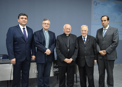 Instituto Escuela de la Fe da inicio a su año académico con lanzamiento de libro