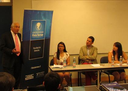 Coloquio organizado por ayudantes de Derecho refleja interés por abordar temáticas de género