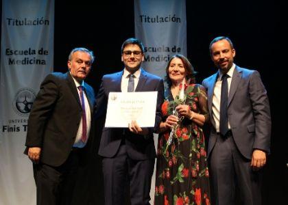 U. Finis Terrae celebró la titulación de 86 nuevos médicos egresados en 2019