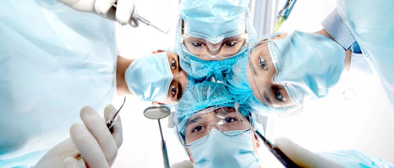 Especialista en Periodoncia e Implantología Quirúrgica