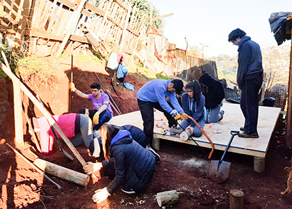 Con gran éxito, casi 50 voluntarios construyeron viviendas en Valparaíso