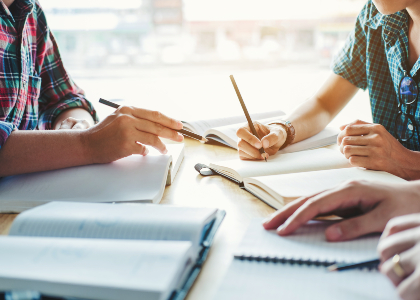 Tutores Disciplinares de la carrera de Pedagogía en Educación Parvularia apoyan los procesos de investigación de los estudiantes de último año