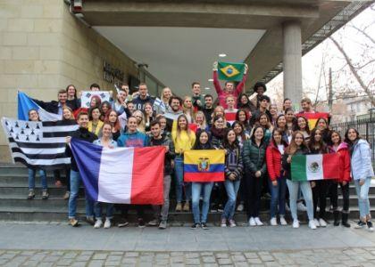 U. Finis Terrae dio la bienvenida a 56 estudiantes de intercambio que se integran a la comunidad universitaria este semestre