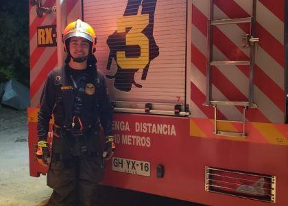 """Rodrigo Espósito, bombero y estudiante de Ingeniería Comercial: """"aprendes a disfrutar y valorar mucho más lo que tienes"""""""