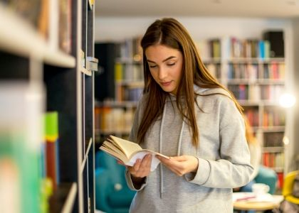 Escuela de Ciencias de la Familia alcanzó máximo histórico de matriculados en 2020