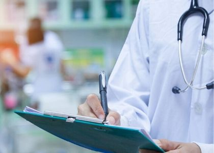 Investigadores de Medicina trabajarán con red de cinco clínicas para caracterizar a pacientes con COVID-19