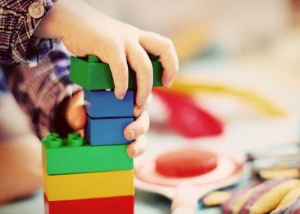Dirección de Postgrados y Educación Continua de la Facultad de Educación, Psicología y Familia U. Finis Terrae inició ciclo de webinars sobre Psicomotricidad