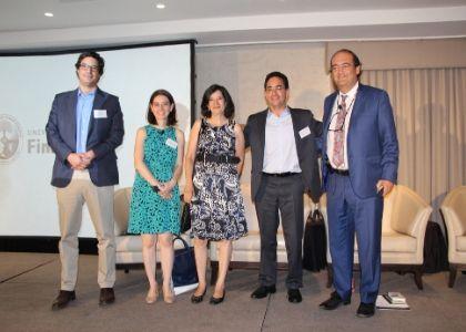 Expertos analizaron el futuro del sistema de salud, la crisis social y el proceso constituyente en seminario de la U. Finis Terrae