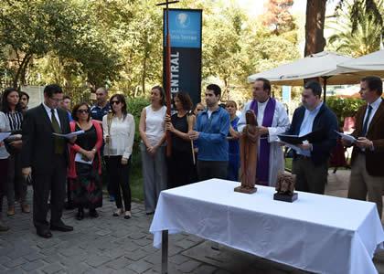 Universidad Finis Terrae conmemora Vía Crucis