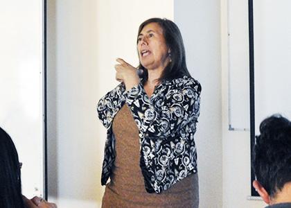 Destacada criminalista del SML abordó la muerte desde la perspectiva jurídica a estudiantes de Derecho