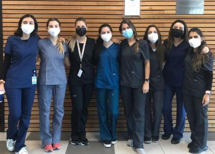 COVID-19: 40 estudiantes de la Escuela de Medicina desarrollan voluntariado en servicios clínicos